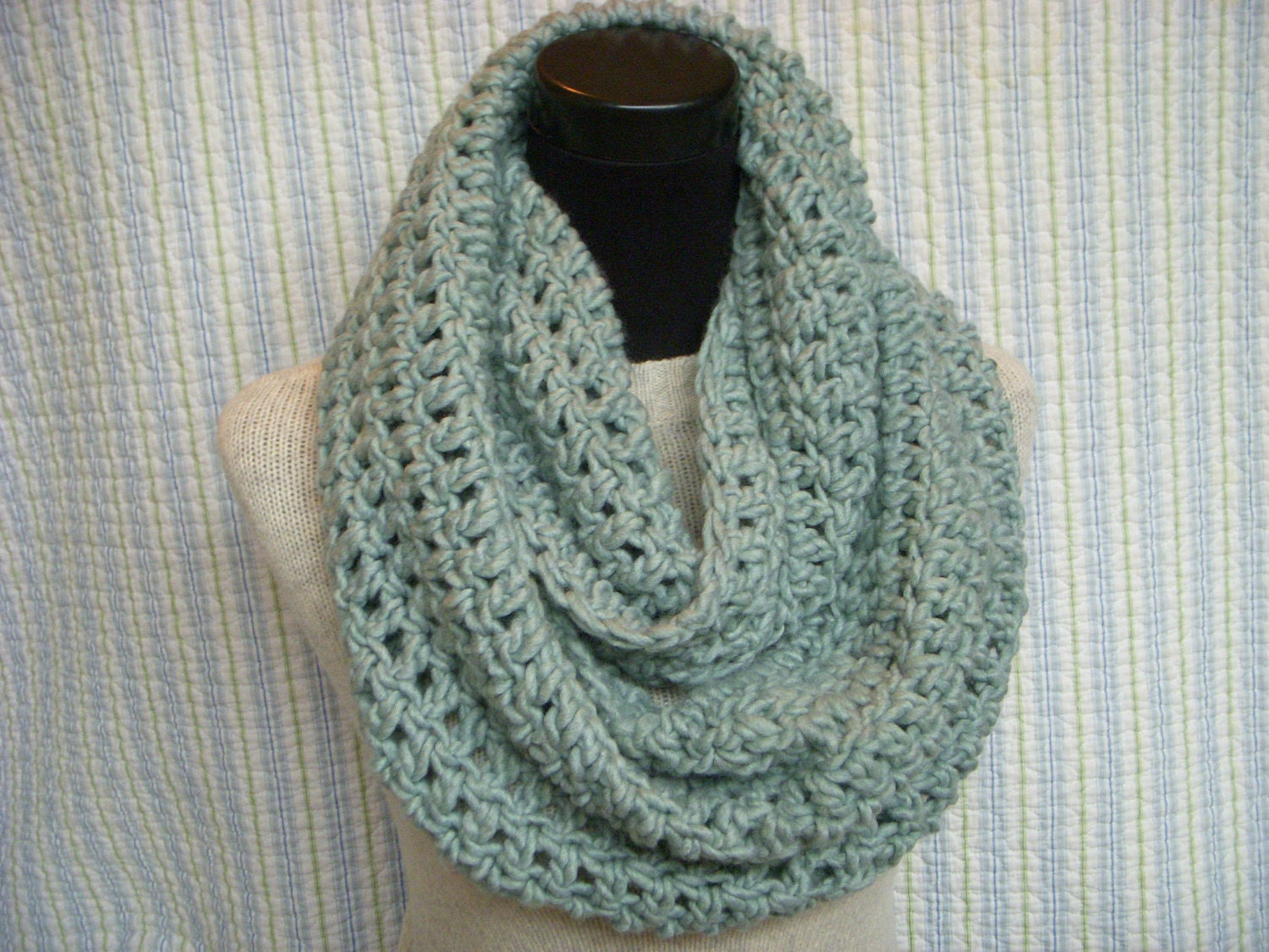 Crochet Infinity Scarf Chunky Pattern : Seafom Infinity Scarf Pale Green Crochet Cowl Aqua Chunky
