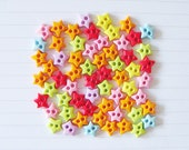 RAEWADOLLY 50pcs Star Button 10mm 2-hole
