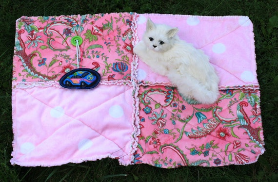 Cat Blanket in Pink MInky