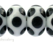 Lampwork Glass Beads WHITE BLACK DICE Dot Handmade - taneres - polka dot