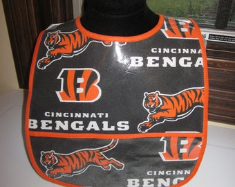 WATERPROOF WIPEABLE Baby to Toddler Bib Cincinnati Bengals Wipeable Plastic Coated Bib