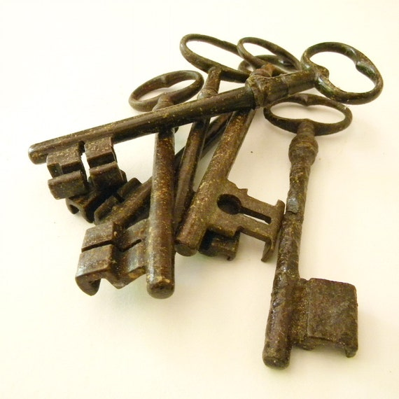 Extra-large French  vintage skeleton key