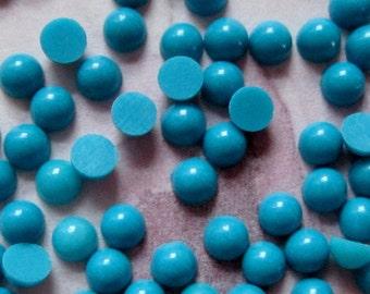 125 pcs. vintage plastic turquoise blue cabochons 3mm - f3019