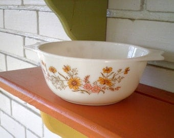 "Vintage ""Country Autumn"" Pyrex Casserole Dish / Bowl from England with Pink & Gold Wildflowers"