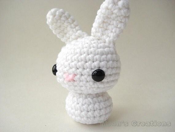 Amigurumi Doll Hair Bun : White Moon Bun Amigurumi Bunny Rabbit Doll with Keychain or