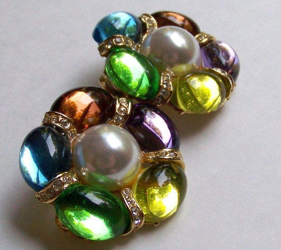 SJK VINTAGE -- Park Lane Signed Colorful Cabochon, Pearl, and Rhinestone Clip On Earrings (1970's-80's)