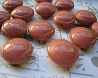 VIntage beads (10) lucite carved Mocha capuccino (10)