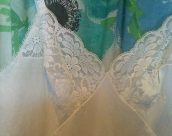 Vintage Classic Sixties White Lace Slip Pin Up Burlesque sz 38 Tall
