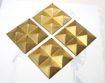 Brass Geometric Pyramid Stud Pendants  (4X) (M786)