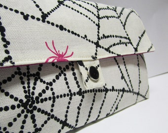 webbed wallet .. with zipper & card pockets