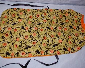 XL Extra large dog Halloween green bats, pumpkins, black cats reversible orange fleece cape