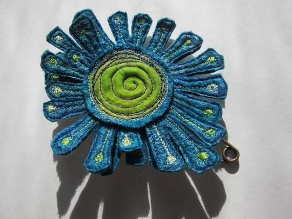 Large corsage shawl pin