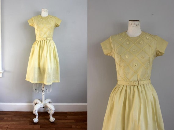 1950s Daisy LATTICE pale yellow party dress -XS