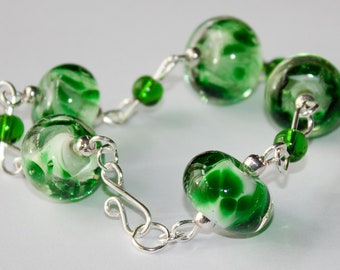 Handmade Silver Plated Bracelet with Emerald Green Frit Lampwork Glass Beads