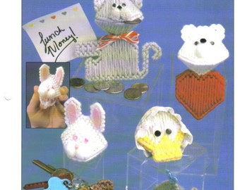Annie's International Binder 100 different plastic canvas patterns