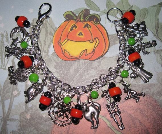 Halloween Charm Bracelet Jewelry Bat Devil Ghost Cat Witch Moon Spider Scarecrow JOL Skeleton Haunted House Owl Glass Beads & Pewter