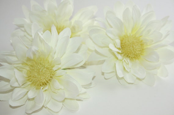 2 Silk White Daisies - 2 Full Daisy Sunflowers in White ... 4.5 inches - artificial flower