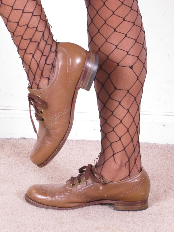 Reserved Vintage 50s Beige Perforated Wingtip Oxfords Lace Up Granny Shoes SZ 7 1/2 womens