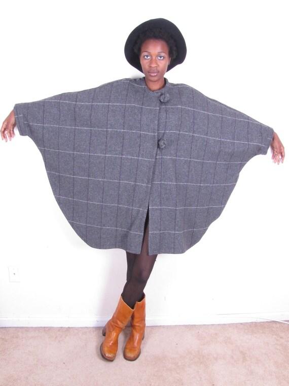 70s vintage amazing wool plaid gray cloak vest capelet cape shug jacket coat womens sm med lg