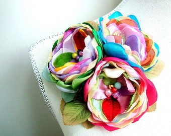 So Blooming Pretty - Handmade three flowers brooch  - x