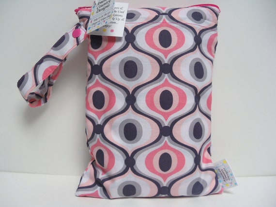 Diaper and Wipes Bag - Wet Bag - Take It On The Go Diaper And Wipes Bag - Groovy Bloom