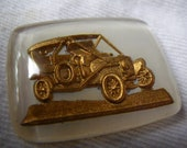 Vintage Car Intaglio 24x22mm Rectangle White and Gold