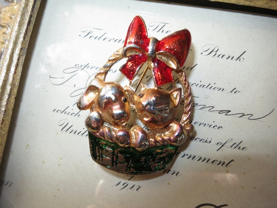 Vintage Puppy and Kitten Brooch