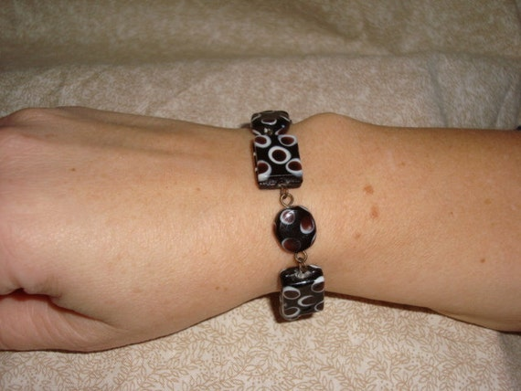 Glass bracelet 7 inches long