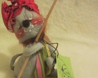Vintage Annalee Mobilitee Collectible Housekeeper Mouse 1971