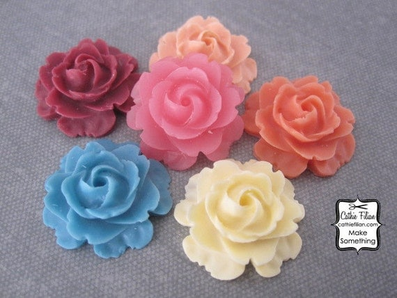 Resin Rose Flowers - EMBELLISHMENT SET - Scrapbooking, Jewelry Design, Bobby Pin- set of 6