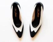 vintage SPECTATOR heels /  1980s two tone WING TIP pumps