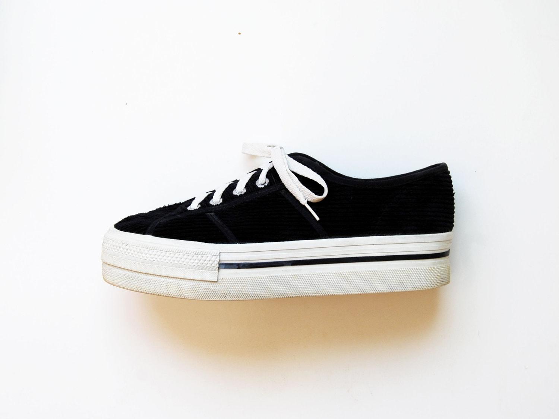 vintage PLATFORM tennis shoes / 1990s grunge CHUNKY black cord
