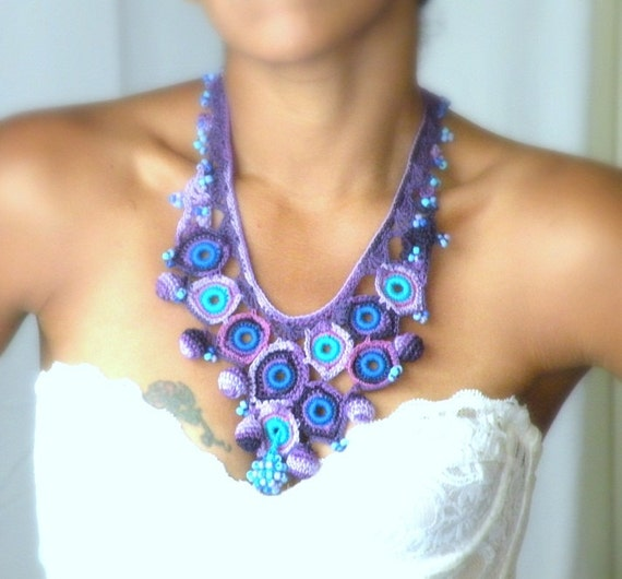 Dreamy feathers, Peacock, crochet statement necklace
