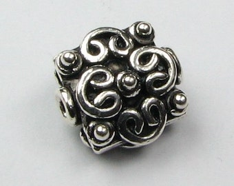 Ornate Bali Sterling Silver Square Flat Bead with Hearts and Dots (1 bead)