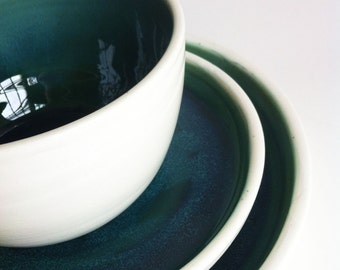 Wedding Registry for Aislinn Bohren & Alex Imas -  Dinner Plate - White exterior -  Forest Green / Blue Interior