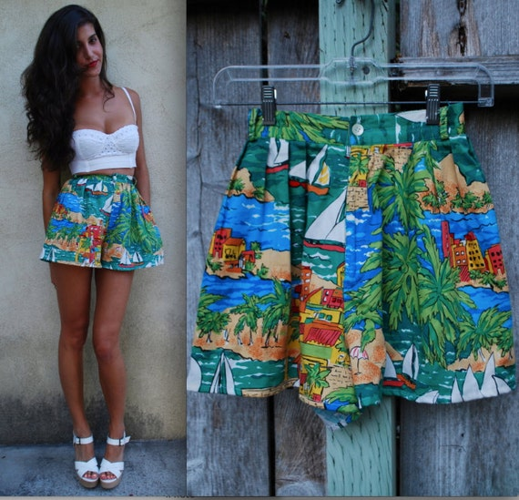 Vintage 80s 90s Montecarlo Regatta High Waisted Cotton Tap Shorts (size extra small, small)