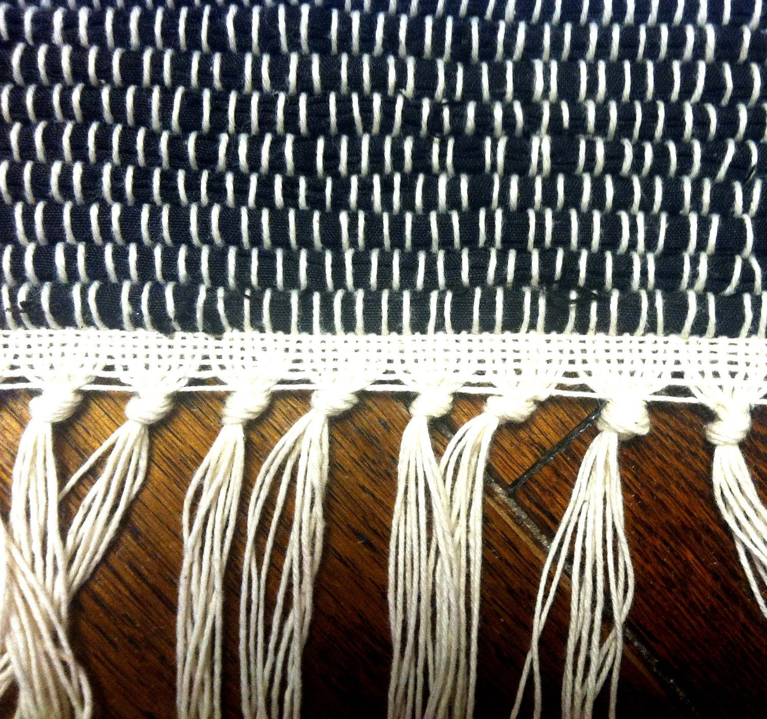 Round Rag Rug Black And White: Handwoven Rag Rug Black And White With Fringe