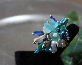 Ocean blue aqua shell beaded cocktail adjustable ring