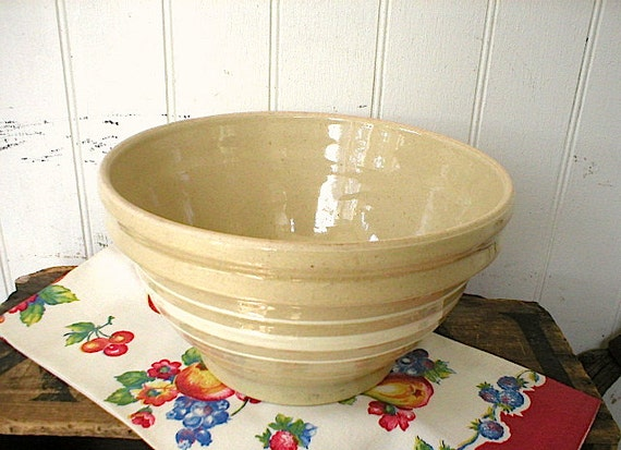 Yellow ware bowl, white bands - 1920s 1930s Ohio pottery - 10 inch large