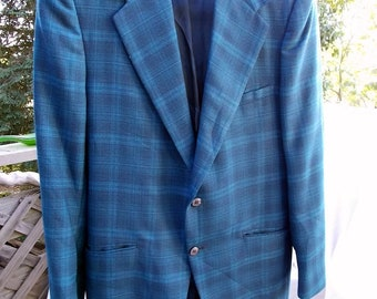 Mens 70s Sportcoat Rough Rider Sonora Super Quality and Like New Subtle Plaid Blue Tones TRUE Vintage sz 40