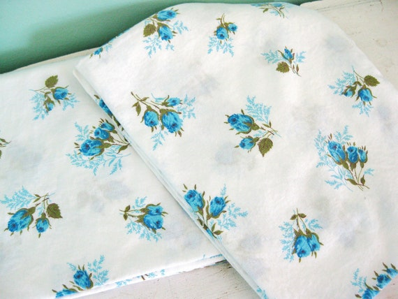 Lay Me Down to Sleep... Vintage Blue Roses Pillowcase Pillow Case Set