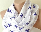 Infinity Scarf Loop Scarf Circle Scarf Cowl Scarf Bird is flying Chiffon and Coton... Scarf...birds