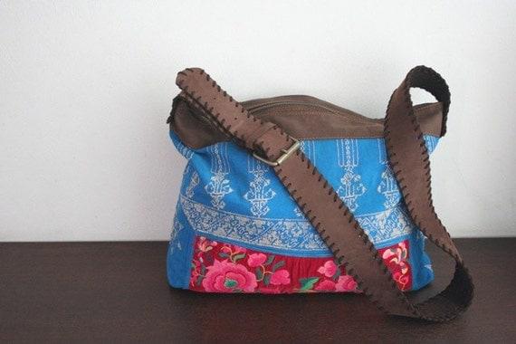 Hobo - VINTAGE / Hip/Tribal/Vintage/Hmong/Miao/Ethnic/Unique bag - 2071