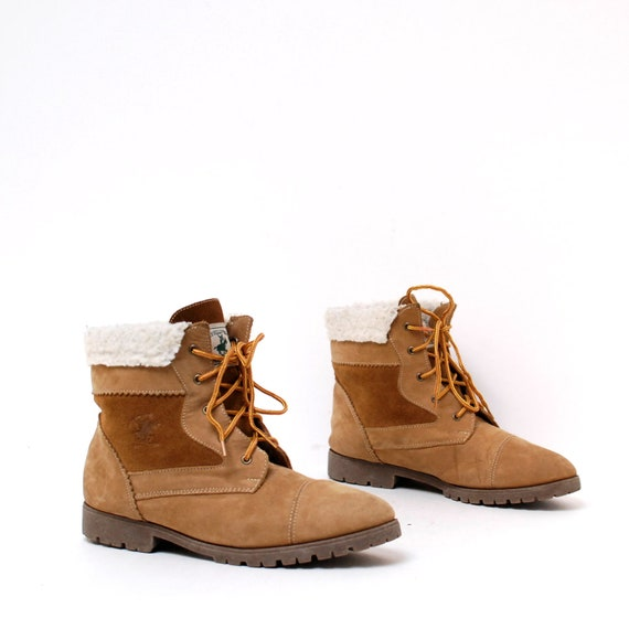 size 10 SHEARLING tan leather 80s 90s OUTDOORS rustic ankle boots on reserve for bellanorbert
