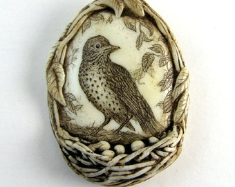 Bird nest egg thrush scrimshaw technique Moosup pin