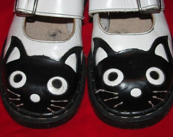 Tredair Leather Cat Shoes, Girl's Footwear Black Cat, Tredair Leather Shoes, B&W,  Kitty Cat, Made in England, Kitten, Child Size 5