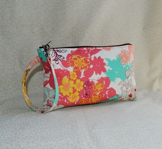 20% OFF - Square Wristlet  Zipper Pouch - Daydreaming in Sunshine