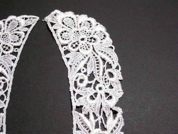 Basket Weaving Osi : Lace collar matte white venice applique set