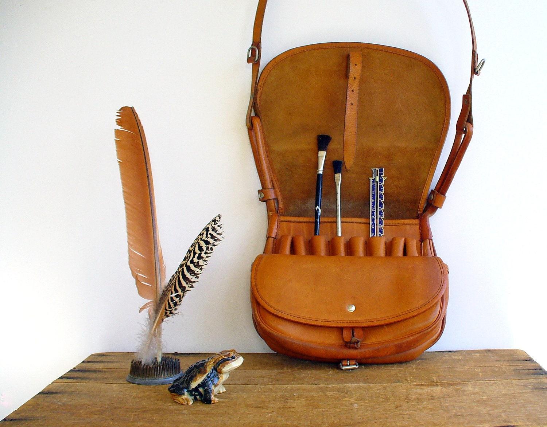 Vintage messenger bag leather fly fishing bag men for Fly fishing luggage