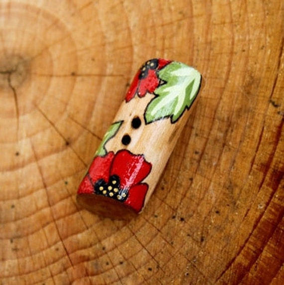 Wood Toggle Button - Poppies - 38 mm Medium